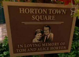 Dedication plaque to Tom and Alice Horton